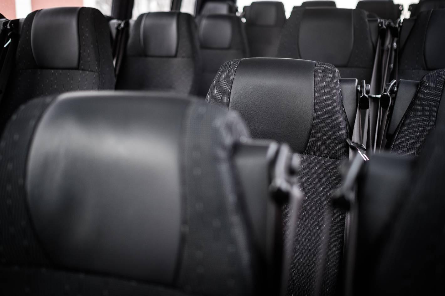 Lux Charter minibuss invaliftiga mugav ja turvaline